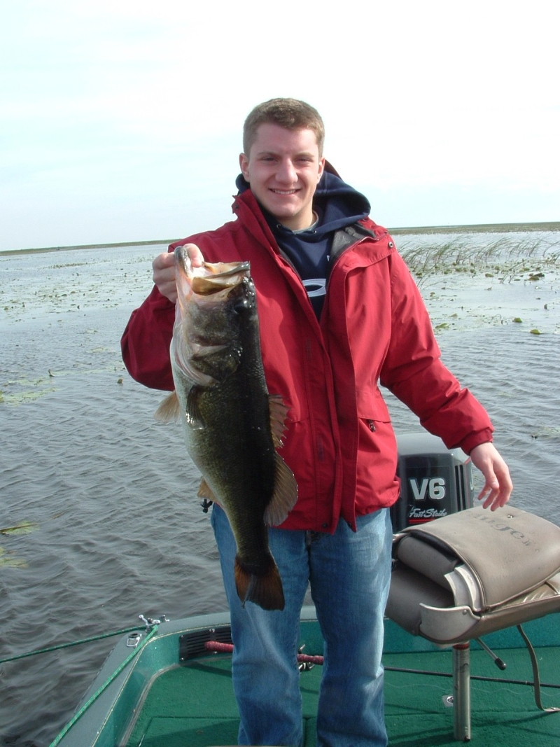 City of okeechobee hotels campgrounds okeechobee county for Lake okeechobee fishing guides