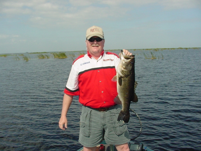 Moore haven fl hotels lodging campgrounds moore haven for Lake okeechobee bass fishing