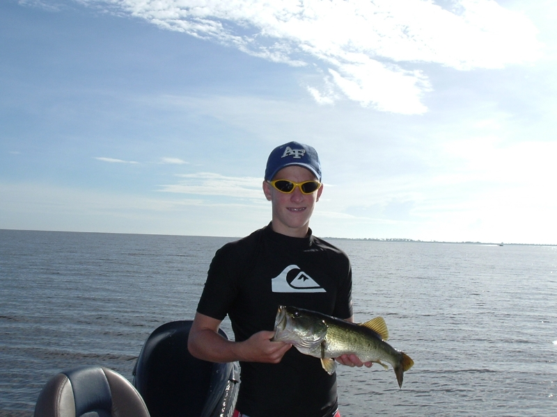 Okeechobee charter rates guided fishing rates for Lake okeechobee fishing guides