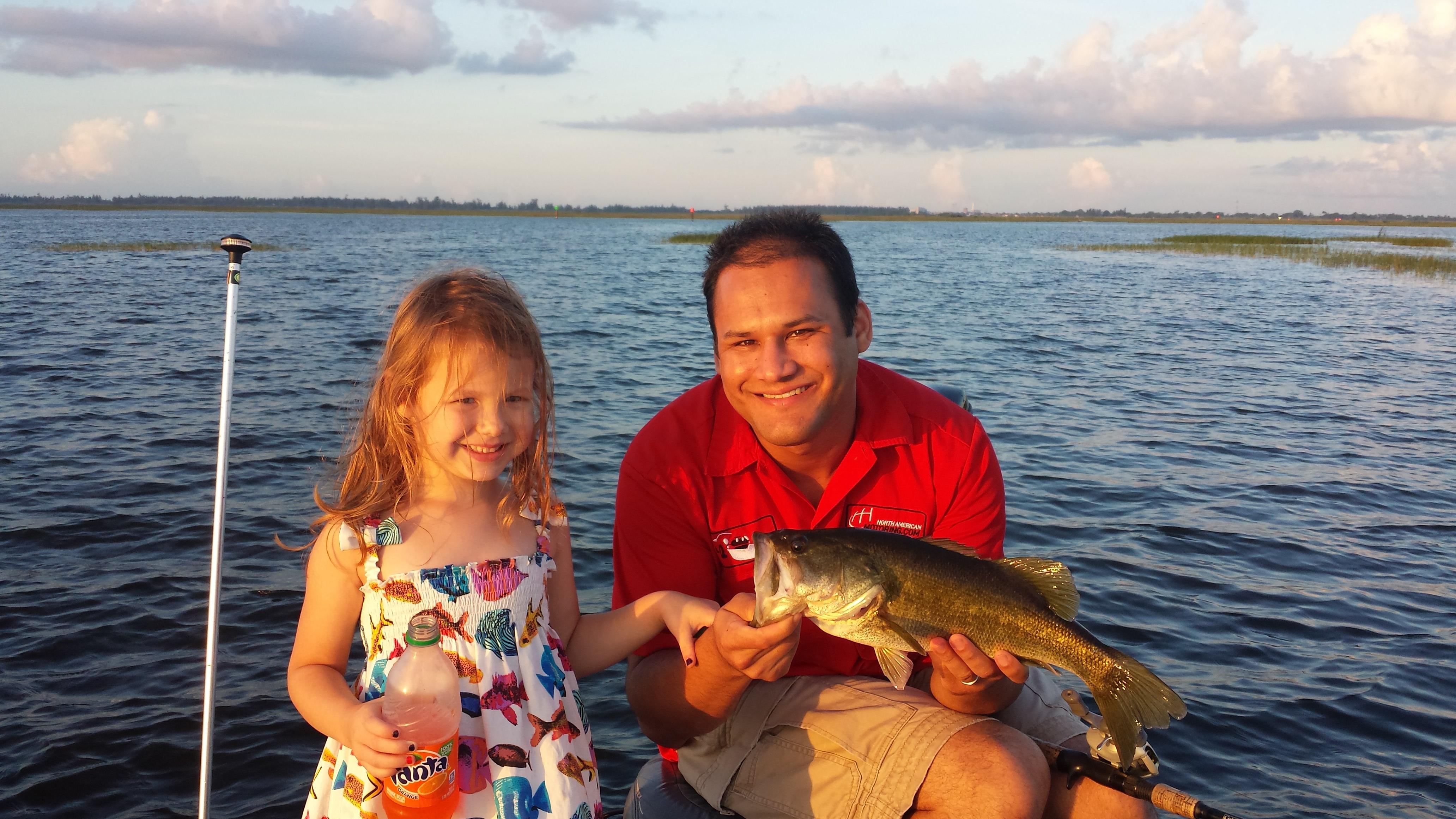 Lake okeechobee fishing guides lake okeechobee bass fishing for Lake okeechobee fishing