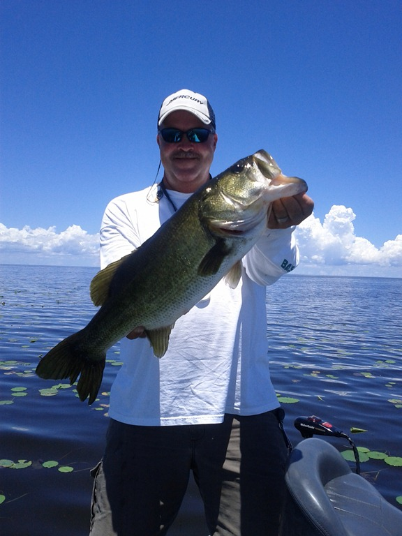The bass fishing lake okeechobee the best lake for Best bass fishing lakes