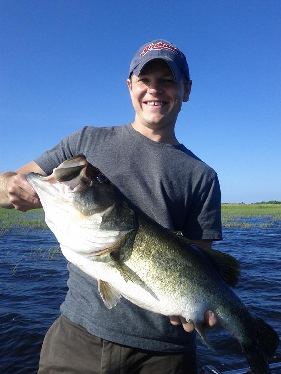Great day bass fishing on lake okeechobee lake for Lake okeechobee bass fishing