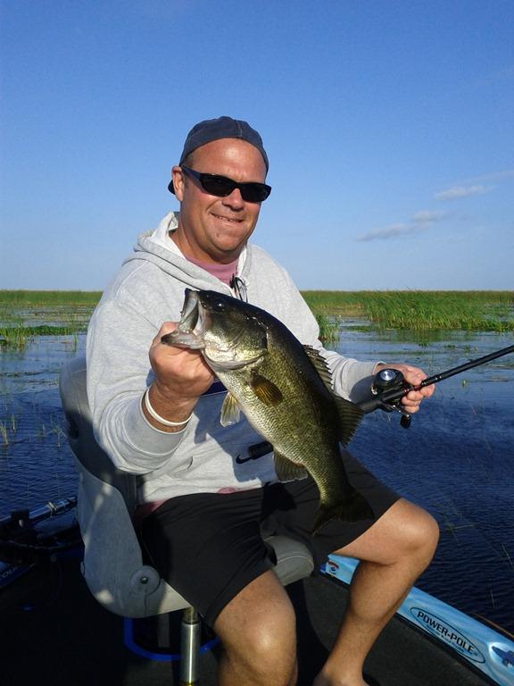 Bass fishing lake okeechobee 2 3 lake okeechobee bass for Lake okeechobee bass fishing