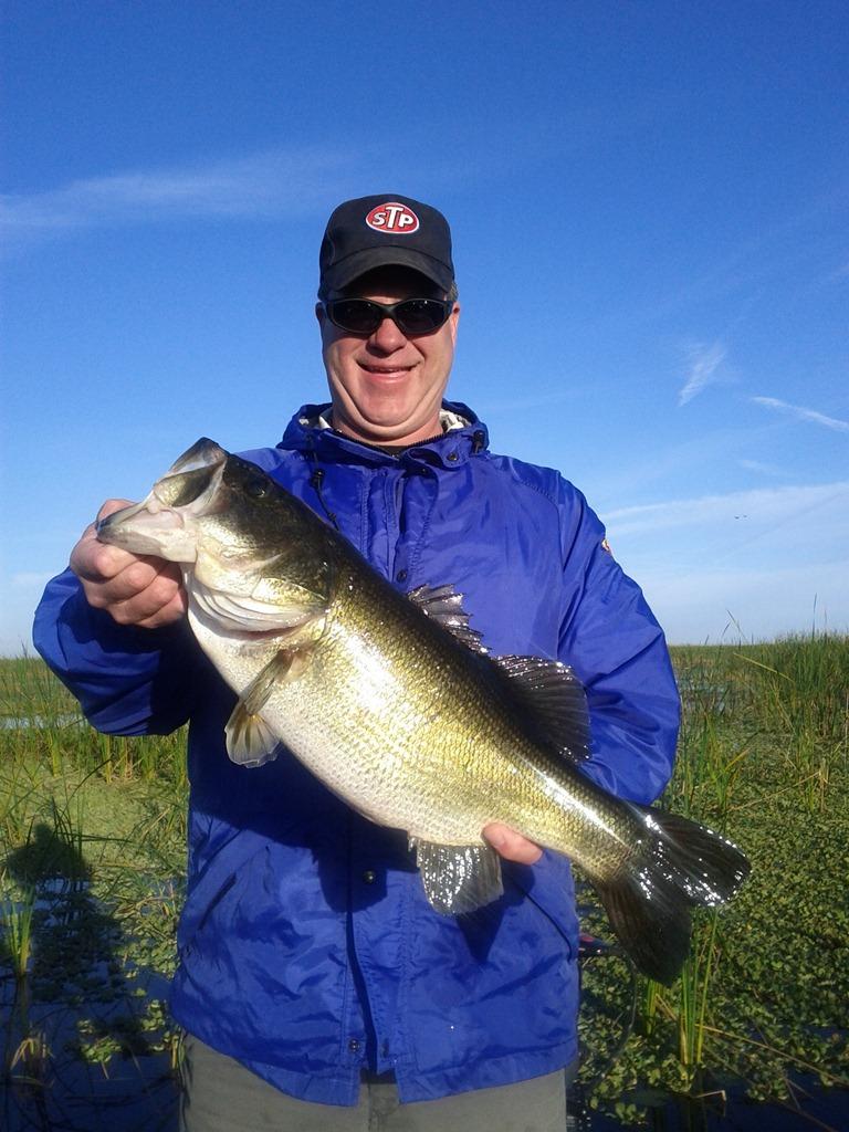 Catching big bass on lake okeechobee lake okeechobee for Big bass fishing